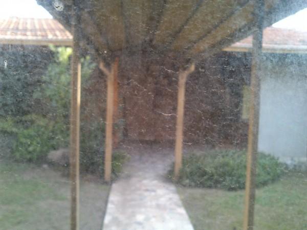 CASA EN 2 PLANTAS 5 AMBIENTES GARAGE, PATIO CON QUINCHO EN VILLA LUGANO